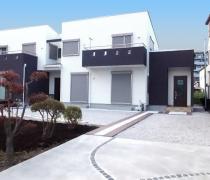 シンプルモダン二世帯住宅